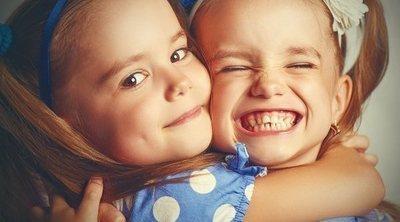Tener un hermano gemelo, ¡es tener un amigo desde el nacimiento!