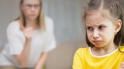 Una crianza severa hace que los niños empeoren en la escuela