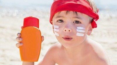 No cometas estos errores al proteger a tus hijos del sol