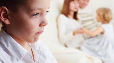 Tu hijastro siempre está malhumorado, ¿qué puedes hacer?