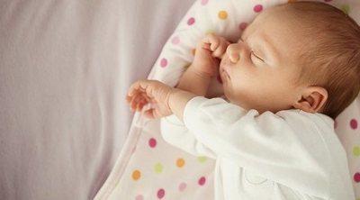 Cómo conseguir que un bebé cansado se duerma