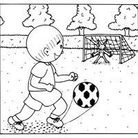 Jugando al fútbol con un conejo