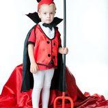 Disfraz de diablo para niño en Halloween