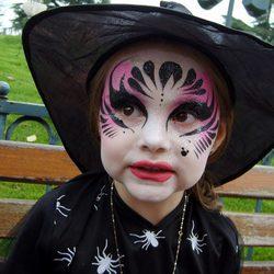 Maquillaje de bruja para niña