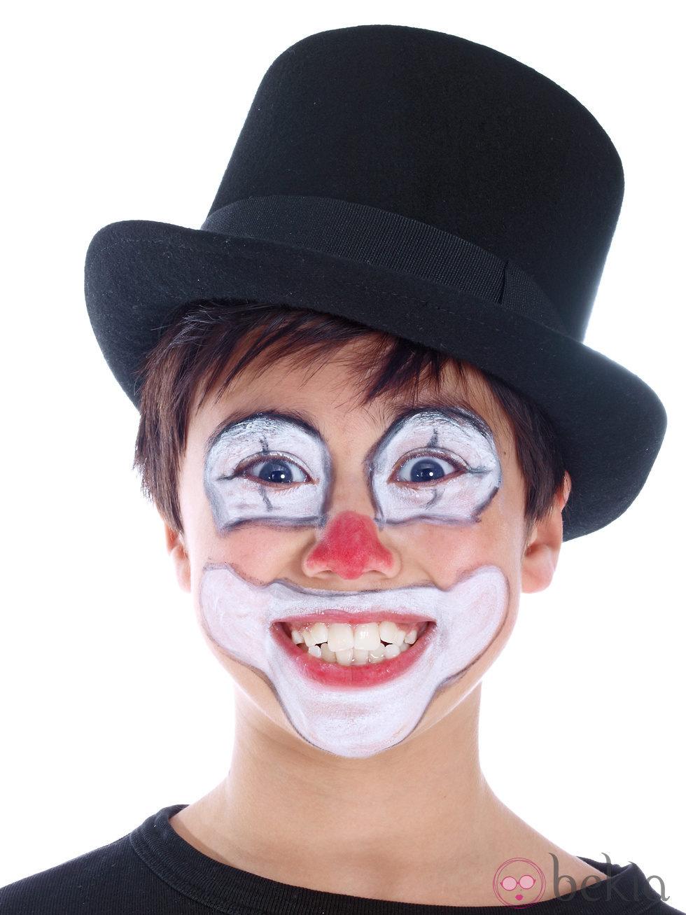 Maquillaje de payaso cl sico para ni os maquillaje de - Como pintar un radiador ...