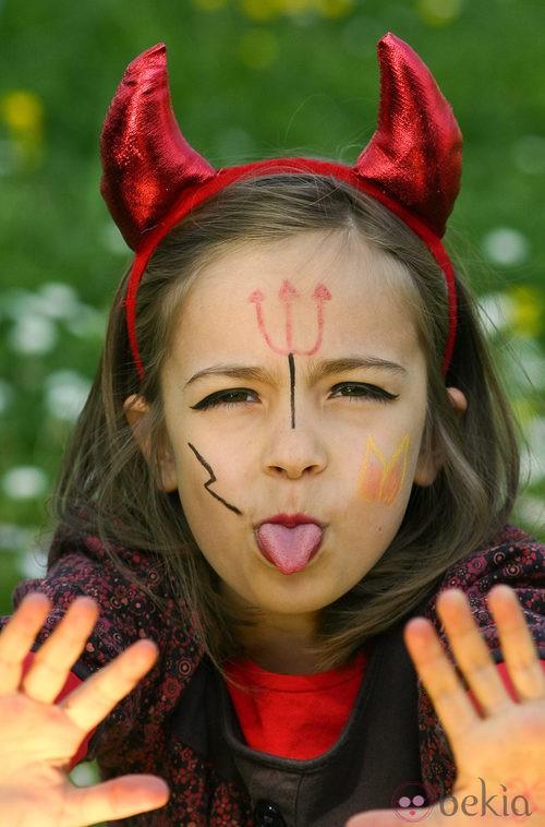 Maquillaje De Diablo Para Nina Maquillaje De Halloween Para Ninos - Como-maquillar-a-una-diabla