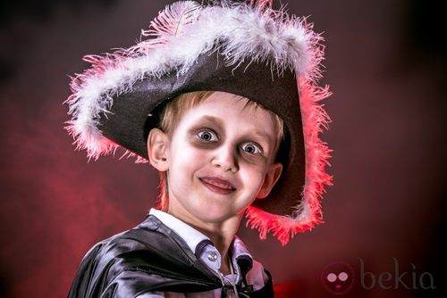 Maquillaje de pirata fantasma para Halloween