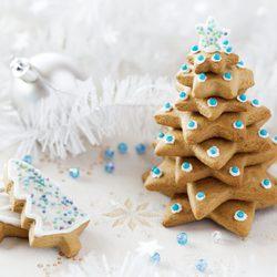 Galletas apiladas para crear un árbol de Navidad