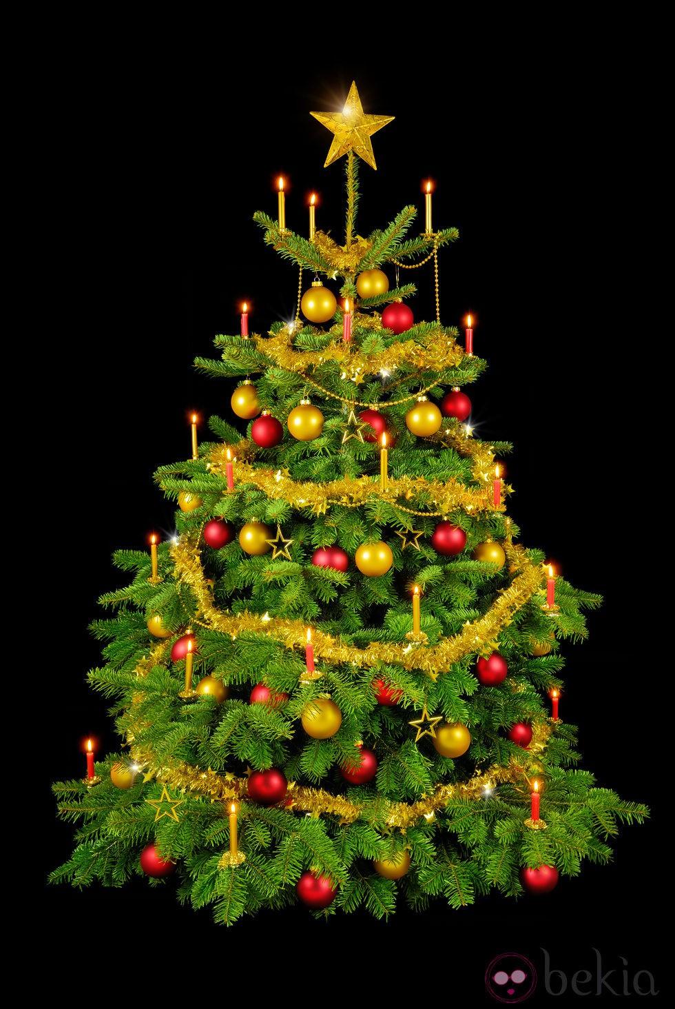 Rbol de navidad decorado con adornos dorados y rojos - Adornos para arbol navidad ...